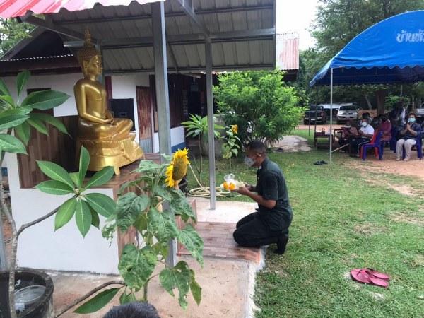 ตชด.2272 ทำบุญตักบาตร และอัญเชิญพระพุทธรูปประดิษฐานบนฐานพระ