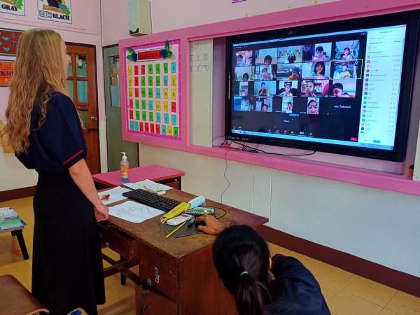 โรงเรียนกวางตงสุโขทัย จัดการเรียนการสอน ในรูปแบบออนไลน์ จูงใจไม่เบื่อการเรียน