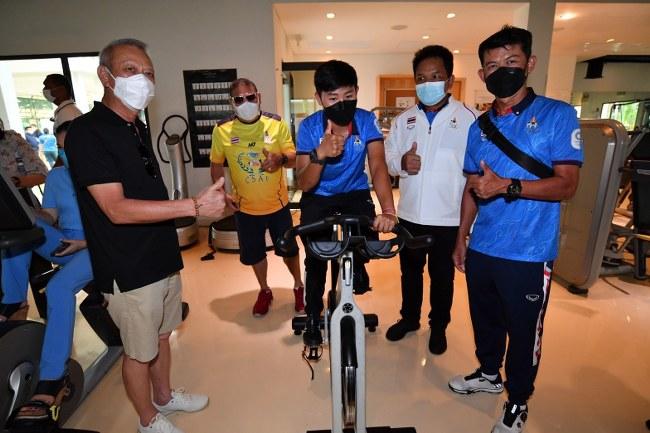 """รมว.พิพัฒน์ พร้อมนักกีฬาทีมชาติไทย ยก """"ภูเก็ต"""" ต้นแบบเมืองกีฬา สนับสนุนสปอร์ตคอมเพล็กซ์"""